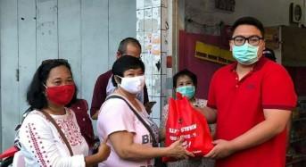 PAC PDI-Perjuangan Wenang Salurkan Bantuan ke Pengurus Anak Ranting