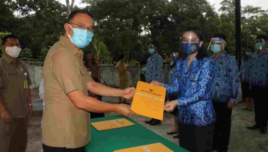 Wali Kota Tomohon Serahkan SK 243 PNS
