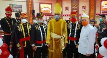 Hadiri Paripurna HUT Provinsi Sulut ke-56, ROR-RD Pakai Baju Adat Khas Minahasa