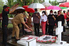 Peringati HUT ke-56 Sulut, Gubernur Olly Ziarah ke Makam CJ Rantung dan HV Worang